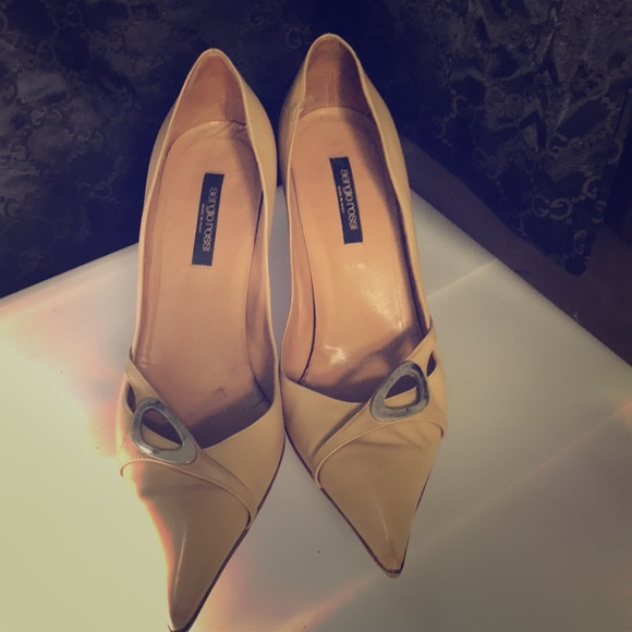 Sergio Rossi Shoes - Sergio Rossi nude pump